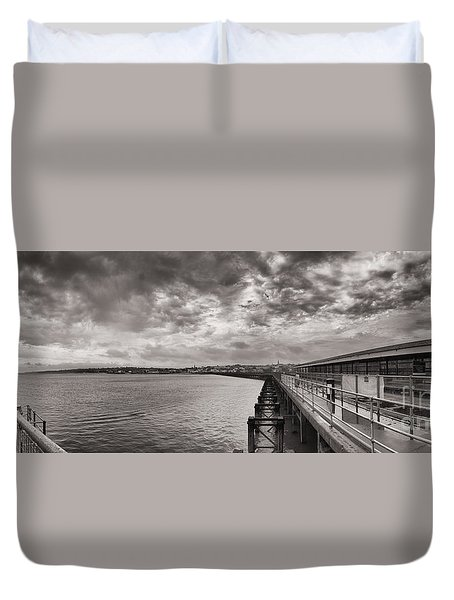 Island Panorama - Ryde Duvet Cover