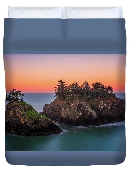 Duvet Cover featuring the photograph Islands In The Sea by Darren White