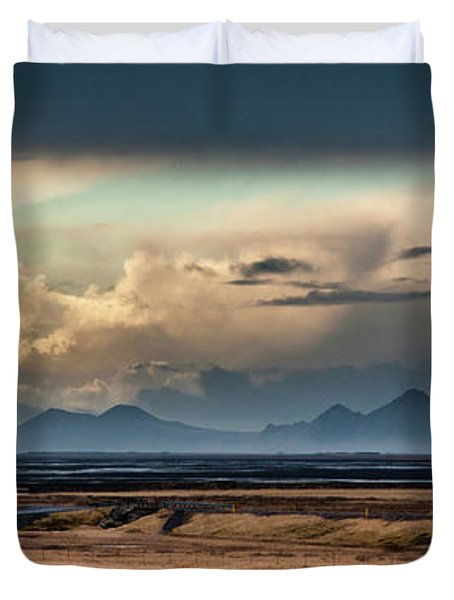 Islands In The Sky Duvet Cover