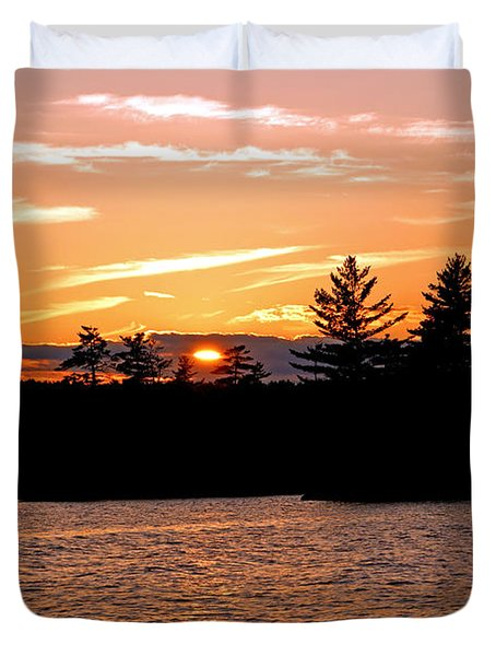 Duvet Cover featuring the photograph Islands Of Tranquility by Lynda Lehmann