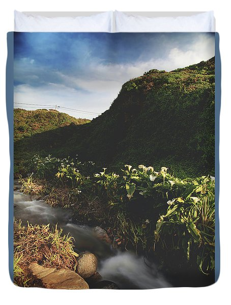 Duvet Cover featuring the photograph It Was A Hard Winter by Laurie Search