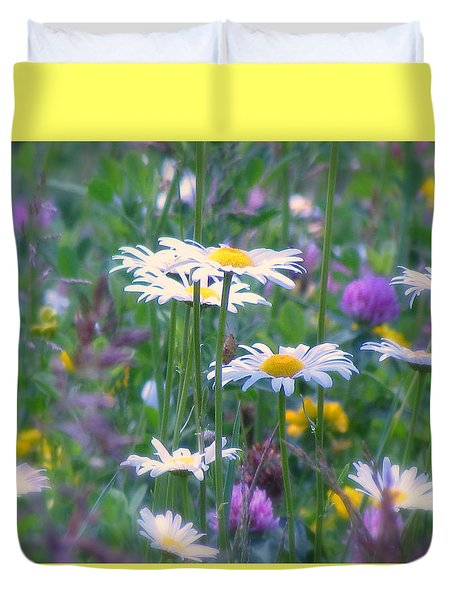 It's A Daisy Kind Of Day Duvet Cover