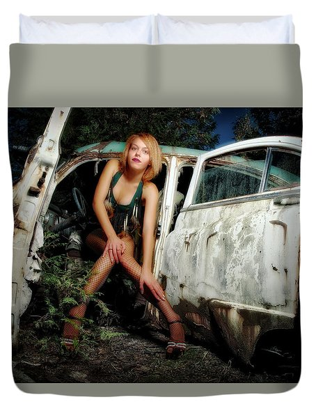 Izzy's Buick Duvet Cover by Jerry Golab