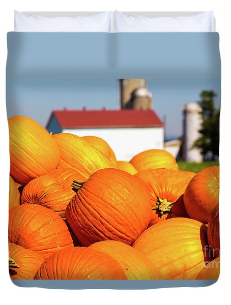 Jack-o-lantern Pumpkins At Farm Duvet Cover