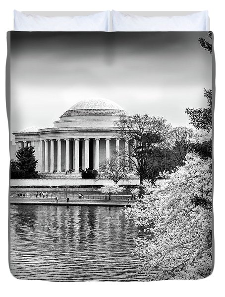Jefferson Memorial Cherry Blosum Time Duvet Cover by Paul Seymour