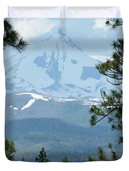Duvet Cover featuring the photograph Jefferson Pines by Laddie Halupa