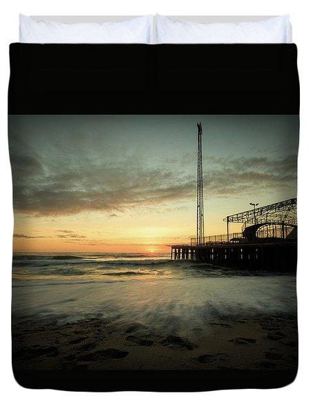 Jersey Shore Sunrise In Winter Duvet Cover