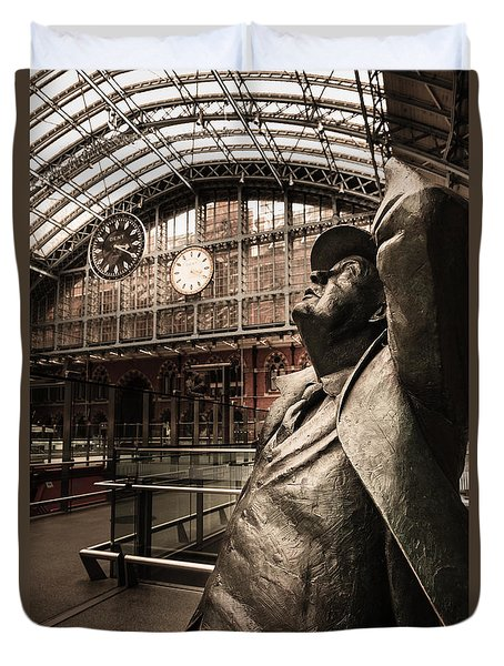 John Betjeman And Dent Clockat St Pancras Railway Station Duvet Cover