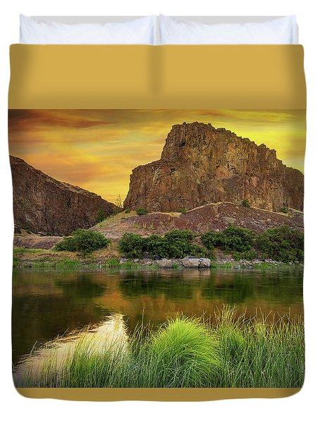 John Day River At Sunrise Duvet Cover by David Gn