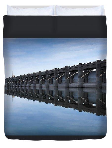 John Martin Dam And Reservoir Duvet Cover by Ernie Echols
