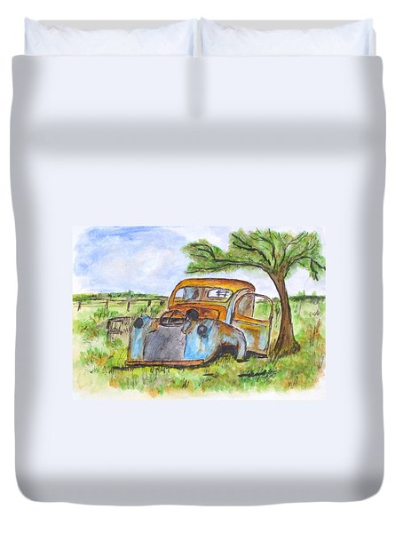 Junk Car And Tree Duvet Cover by Clyde J Kell
