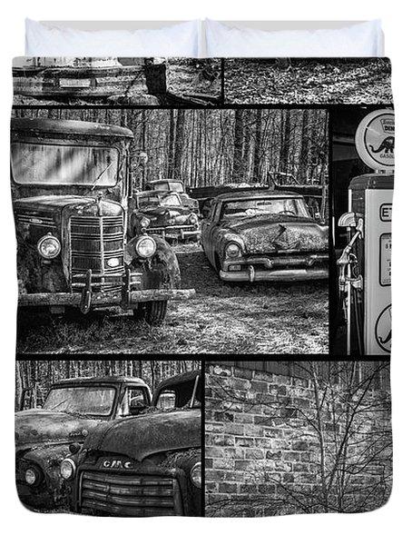 Junk Yard Cars Duvet Cover