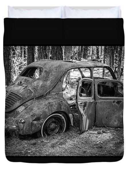Junked Cars Duvet Cover