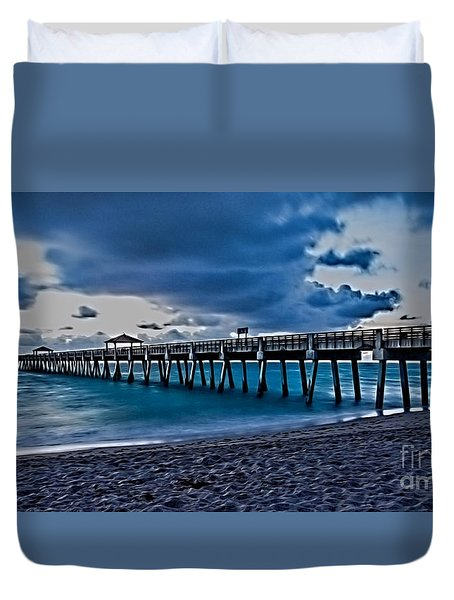 Duvet Cover featuring the photograph Juno Beach Fishing Pier At Sunrise by Darleen Stry