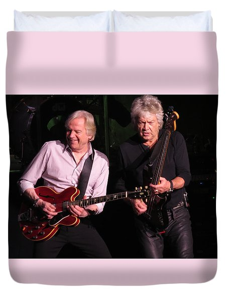 Duvet Cover featuring the photograph Justin And John In Concert by Melinda Saminski