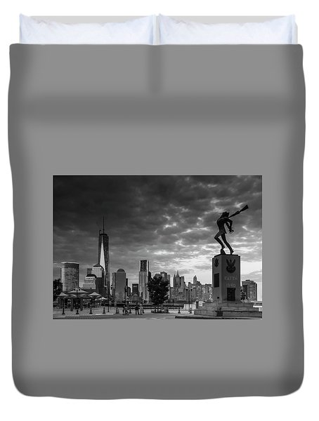 Duvet Cover featuring the photograph Katyn New World Trade Center In New York by Ranjay Mitra