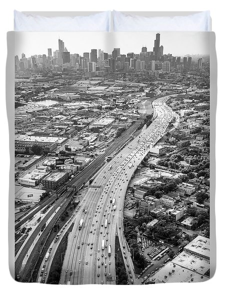 Kennedy Expressway And Chicago Skyline Duvet Cover