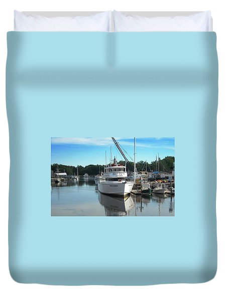 Duvet Cover featuring the photograph Kennubunk, Maine -1 by Jerry Battle