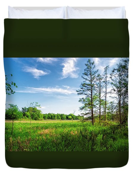 Duvet Cover featuring the photograph Kensington Marsh by Lars Lentz