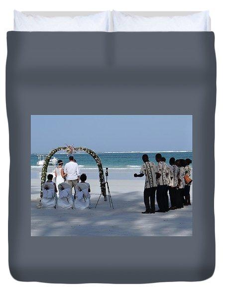Kenya Wedding On Beach Happy Couple Duvet Cover