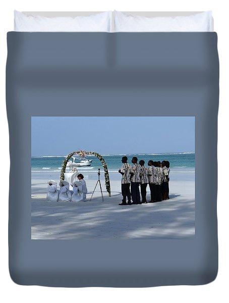 Kenya Wedding On Beach Singers Duvet Cover