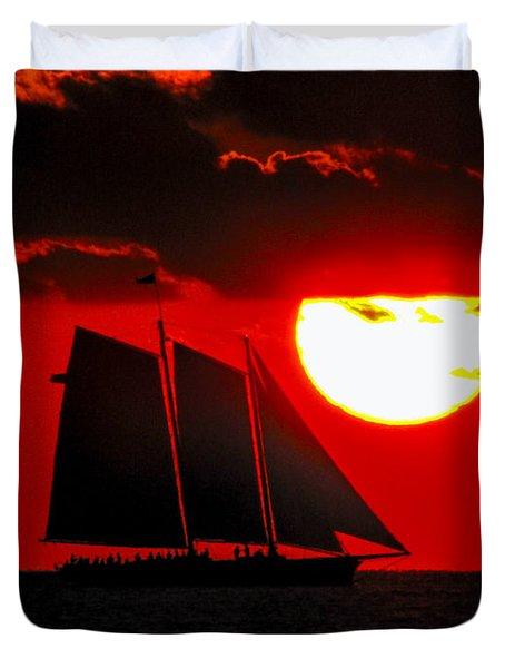 Key West Sunset Sail Silhouette Duvet Cover