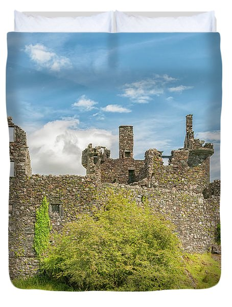 Kilchurn Castle Ruins Duvet Cover