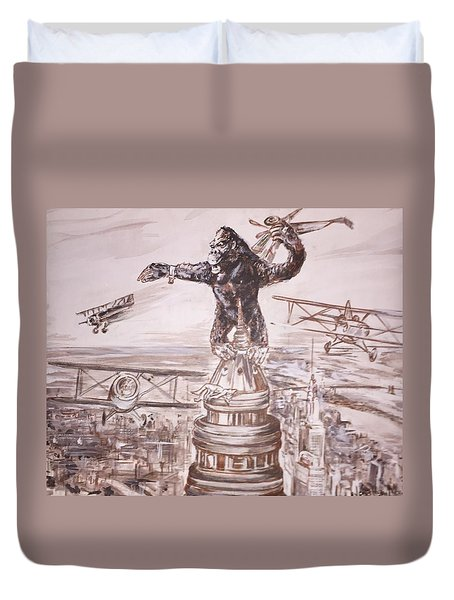 King Kong - Atop The Empire State Building Duvet Cover