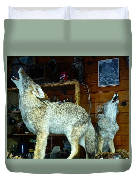 Kings Canyon Lodge Coyotes Duvet Cover by Amelia Racca