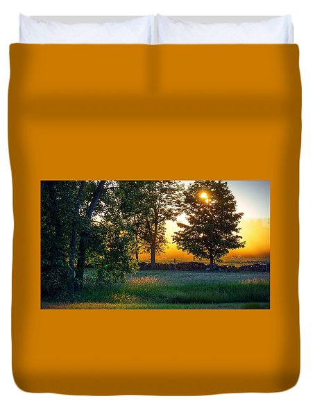 Duvet Cover featuring the photograph Kingsbury Sunset by Kendall McKernon