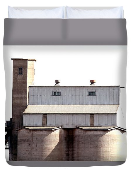 Duvet Cover featuring the photograph Kingscote Skyrise by Stephen Mitchell