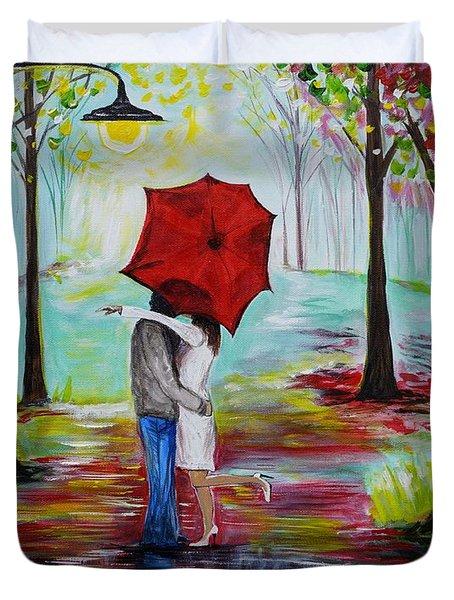 Kiss Me In The Rain Duvet Cover by Leslie Allen