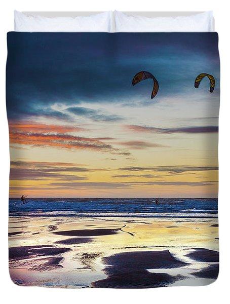 Kite Surfing, Widemouth Bay, Cornwall Duvet Cover