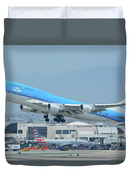 Duvet Cover featuring the photograph Klm Boeing 747-406m Ph-bfh Los Angeles International Airport May 3 2016 by Brian Lockett