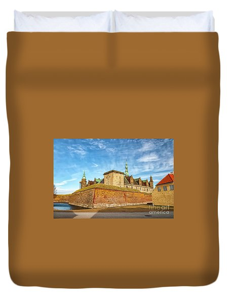Duvet Cover featuring the photograph Kronborgsslott In Helsingor by Antony McAulay