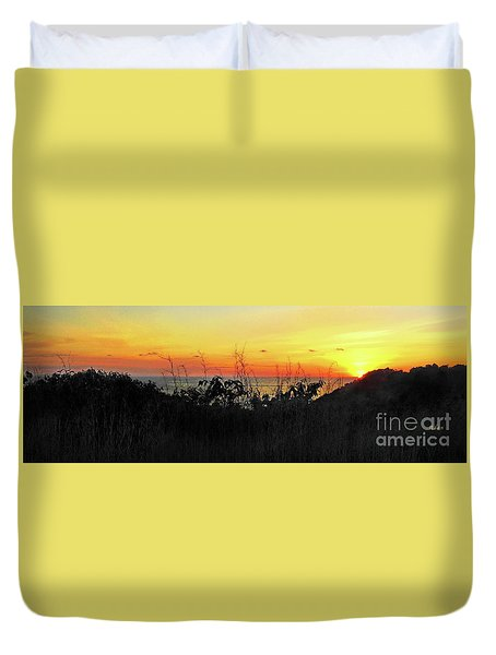 la Casita Playa Hermosa Puntarenas Costa Rica - Sunset A Panorama Duvet Cover by Felipe Adan Lerma