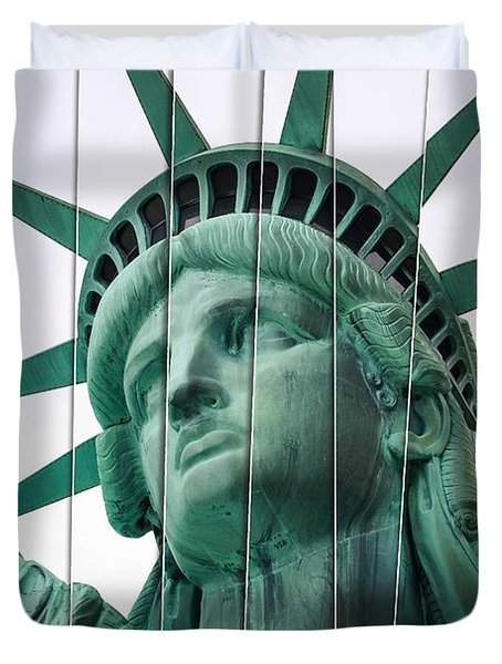 Lady Liberty In Nyc Duvet Cover