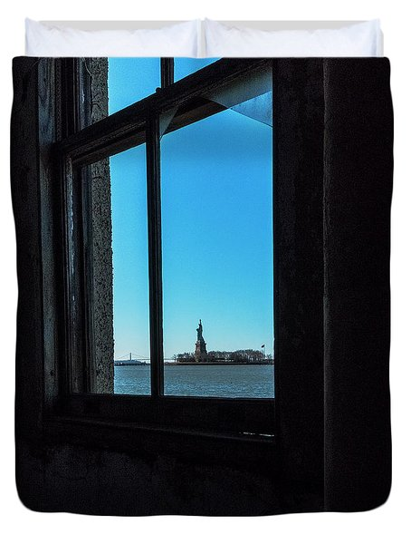 Lady Liberty Duvet Cover by Tom Singleton