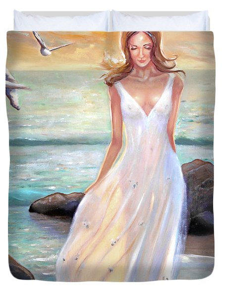 Lady Walking On The Beach Duvet Cover