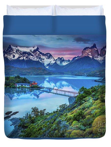 Lago Pehoe - March Duvet Cover