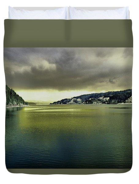 Duvet Cover featuring the photograph Lake Coeur D' Alene by Jeff Swan