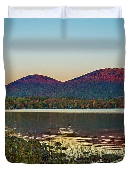 Lake Cruise Duvet Cover