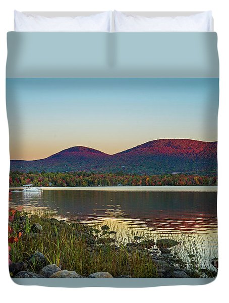 Lake Cruise Duvet Cover