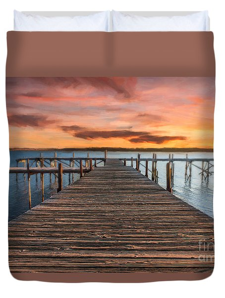 Lake Murray Lodge Pier At Sunrise Landscape Duvet Cover