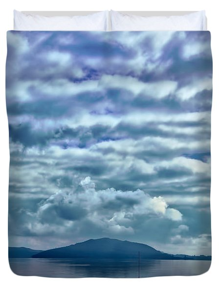 Lake Of Beauty Duvet Cover