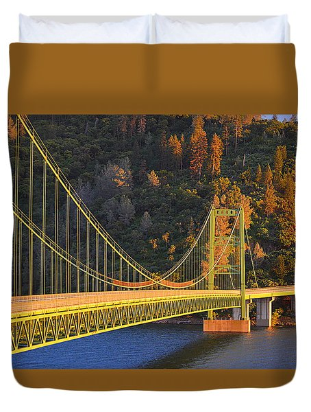 Lake Oroville Green Bridge At Sunset Duvet Cover