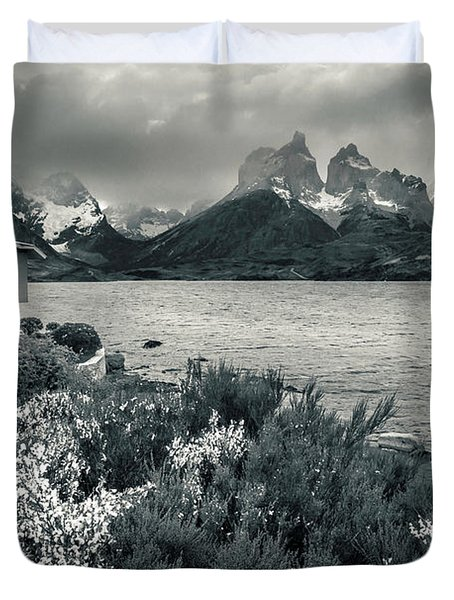 Lake Pehoe In Black And White Duvet Cover by Andrew Matwijec