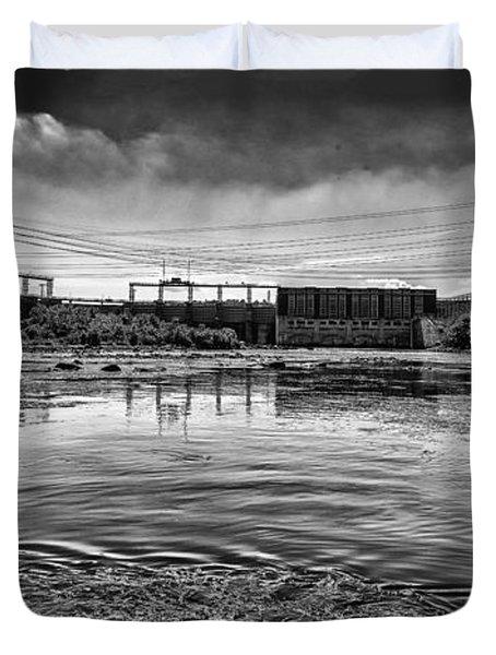 Lake Wylie Hydro-electric Dam Bw Duvet Cover