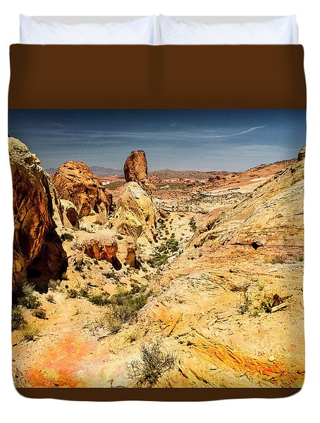 Land Of Sandstones Valley Of Fire Duvet Cover by Frank Wilson