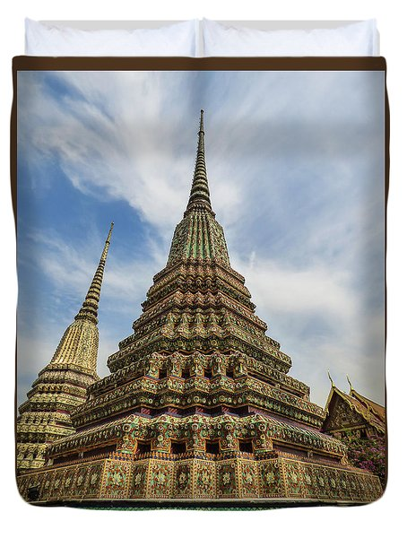 Large Colorful Stupa At Wat Pho Duvet Cover